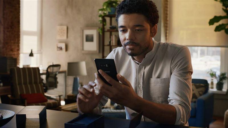 Samsung высмеяла iPhone и его владельцев в новой рекламе
