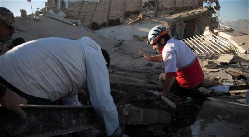 Число погибших в результате землетрясения в Иране достигло 328-ми человек