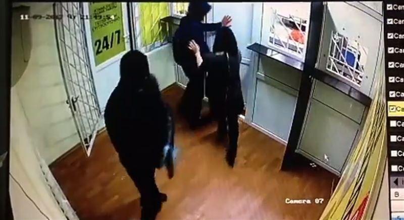 В Алматы задержаны подозреваемые в серии разбойных нападений на ломбарды