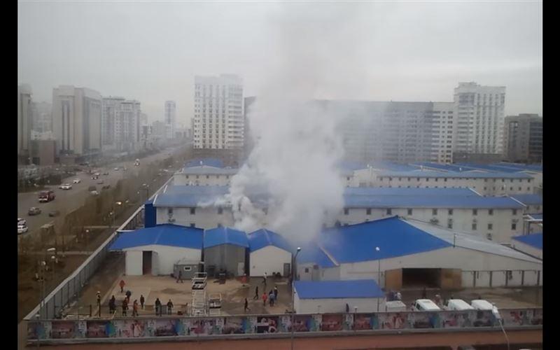 В Астане столовую строящегося комплекса «Абу-Даби Плаза» охватило огнем