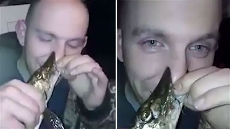 Видео: щука едва не откусила рыбаку нос