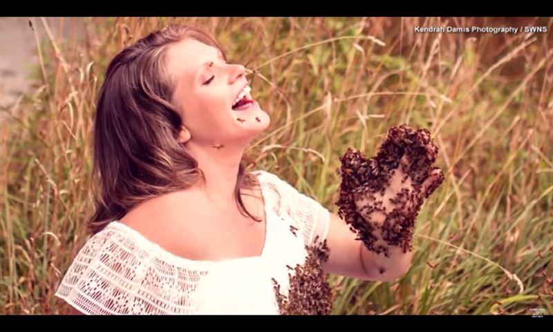 ВИДЕО: беременная женщина устроила фотосессию с тысячами пчел