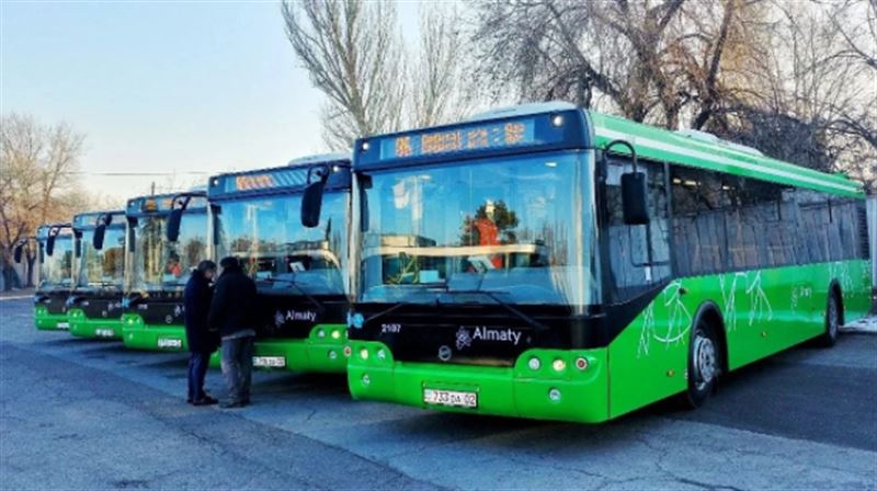 В Алматы запустили новые автобусы с кондиционерами и видеокамерами