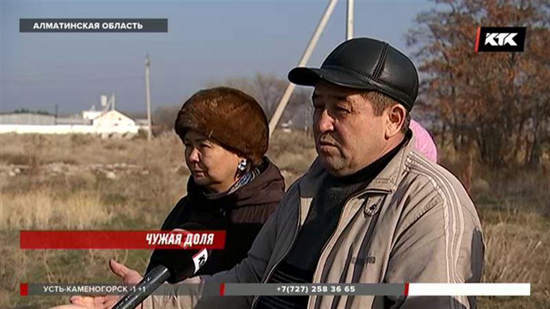 Уже три года жители Алматинской области не могут получить документы на землю
