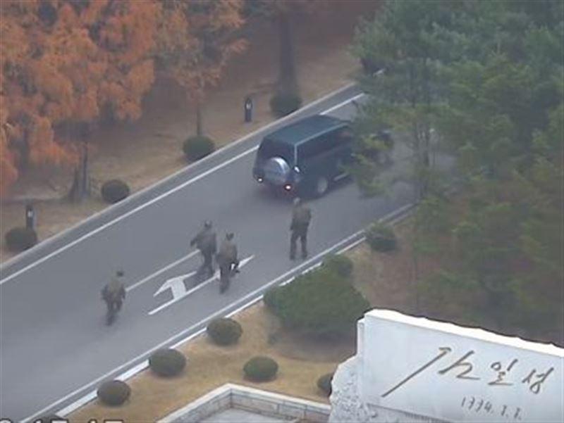 Опубликовано видео побега военнослужащего КНДР в Южную Корею