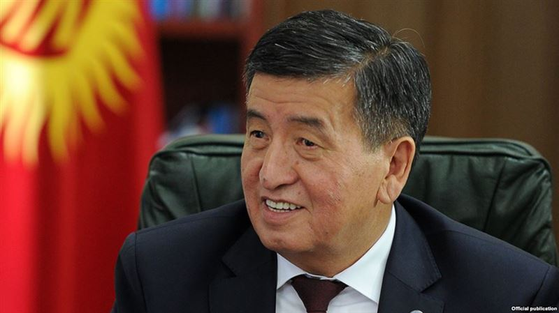 Избранный президент Кыргызстана Сооронбай Жээнбеков вступил в должность