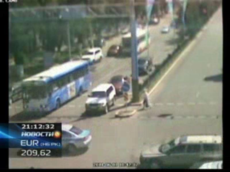 Дорожный полицейский, машину которого протаранил автобус, находится в коме