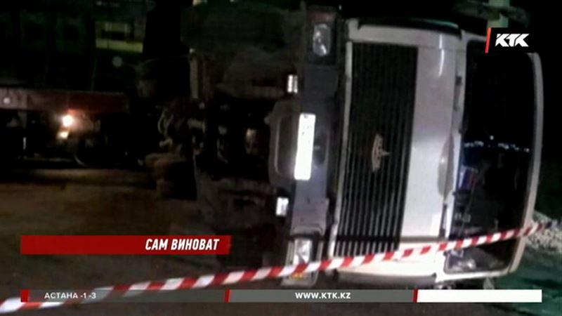 Водитель грузовика виновен в ДТП на железнодорожном переезде в Петропавловске