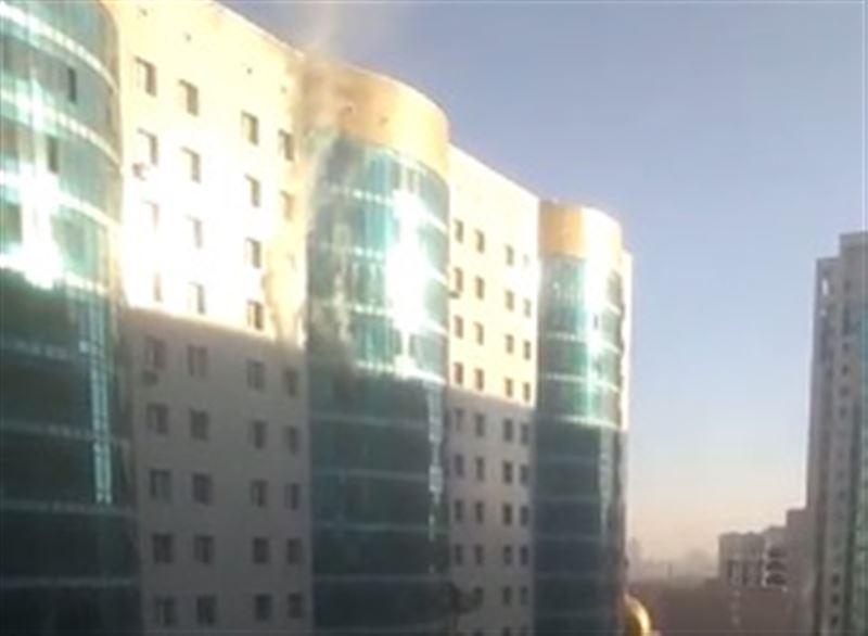 ВИДЕО: В Астане пожарные спасли из огня двоих детей