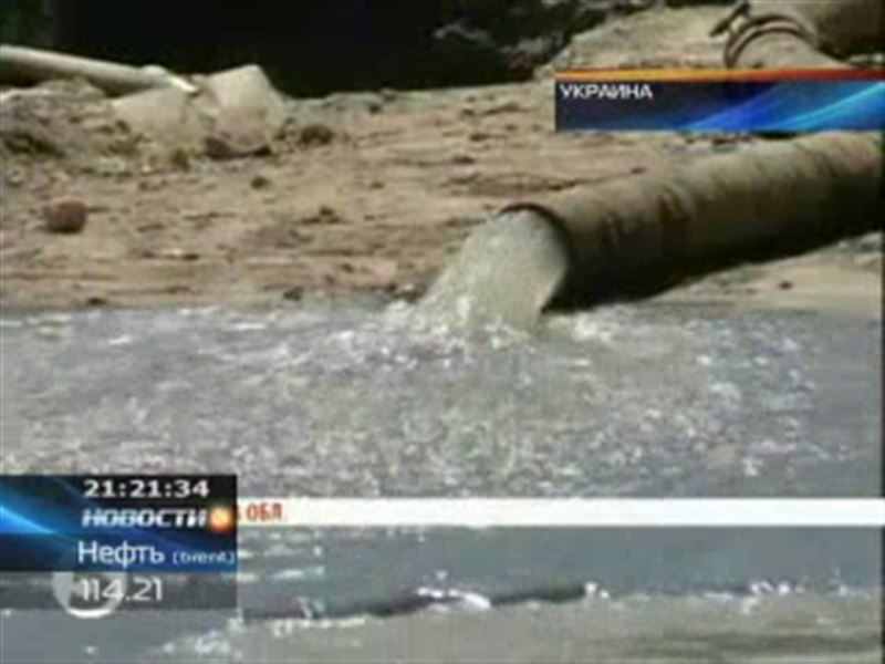 На Украине десятки людей отравились водой из-под крана