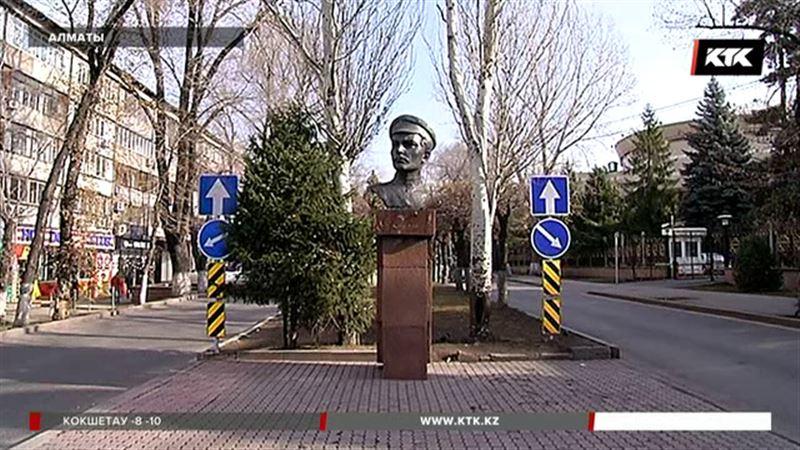 Снесут ли на проспекте Назарбаева бюст Фурманова, пока неизвестно