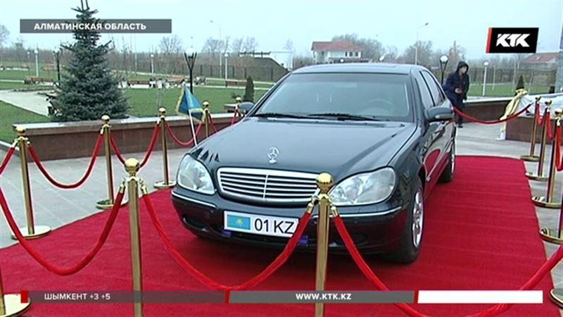 Автомобиль Назарбаева стал главным экспонатом в новом историко-культурном центре