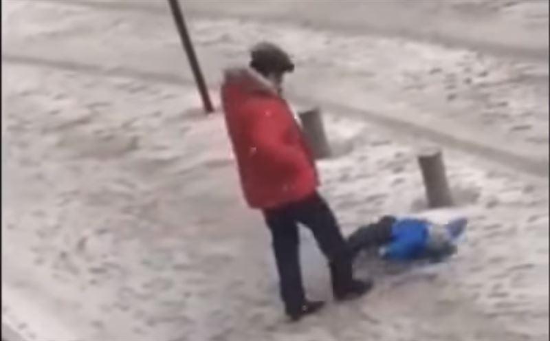 На мужчину, пнувшего в живот ребенка, возбуждено уголовное дело
