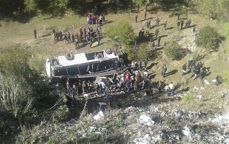 Туристический автобус сорвался с обрыва в Тунисе, 50 человек пострадали