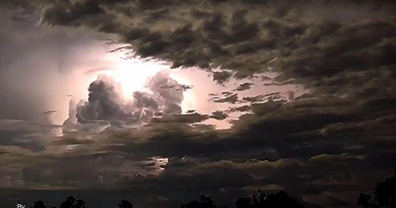 Электрический мегашторм прошел над Австралией