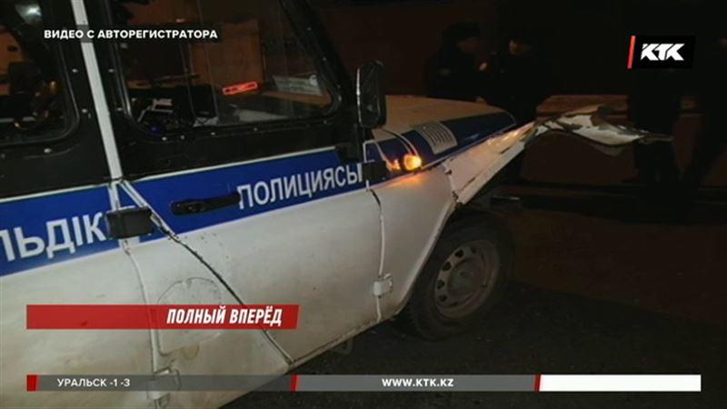В Павлодаре угонщик врезался прямо в полицейское авто
