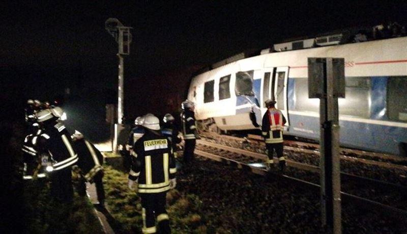 При столкновении поездов на западе Германии пострадали около 50 человек