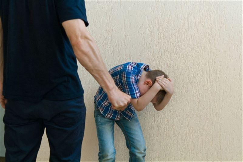 В Алматинской области вынесли приговор экс-директору школы, который несколько лет насиловал сына