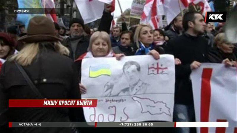 Сторонники Саакашвили едва не оставили Киев без главной новогодней ёлки