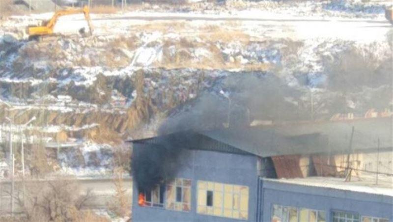 Подробности пожара в здании «ГорГАИ» в Алматы