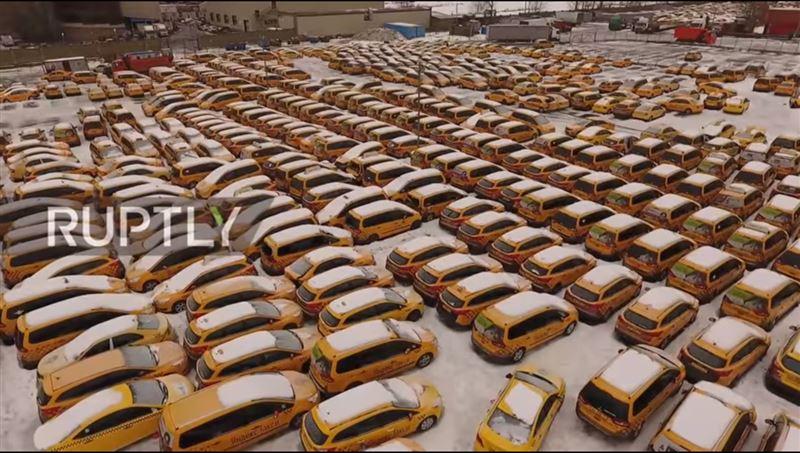 В Москве показали кладбище такси