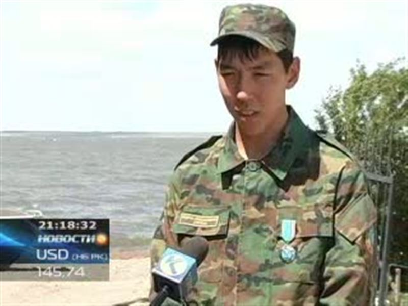 В Кокшетау медалью «Ерлиги ушин» наградили рядового спасателя
