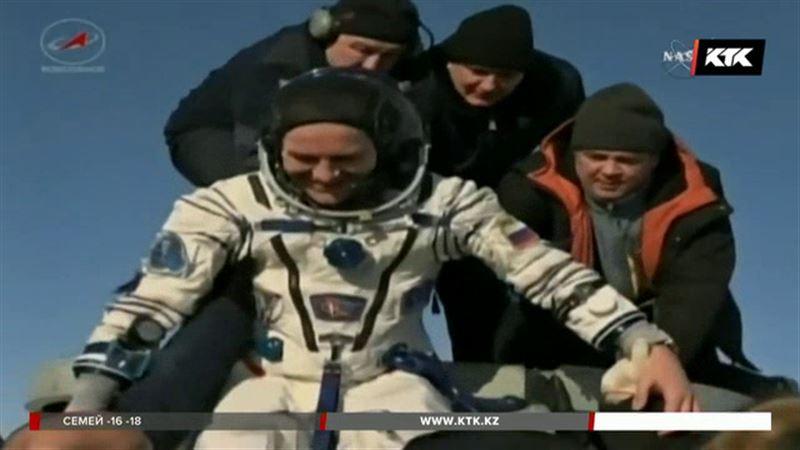 Космонавты, которые готовили пиццу в космосе, вернулись на Землю