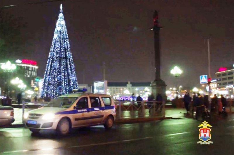 Калининградец поджег главную городскую елку от одиночества