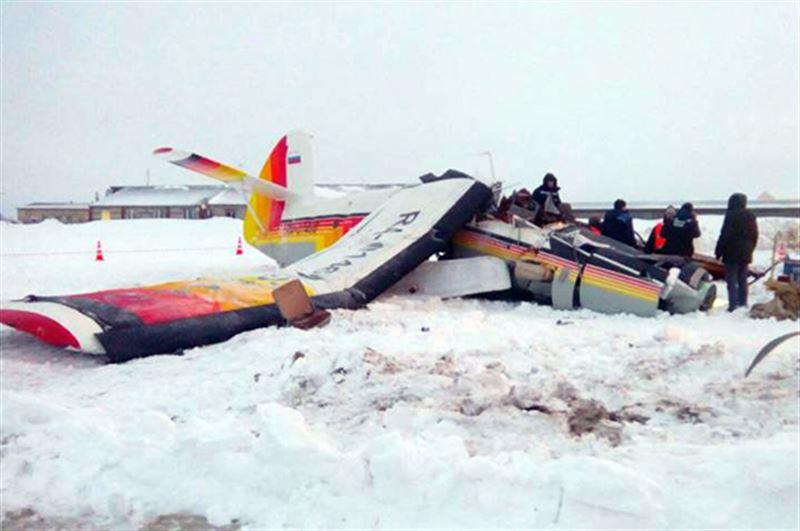 ВИДЕО: В России разбился пассажирский самолет: четверо погибших и 13 раненых