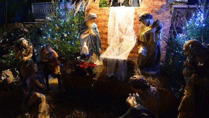 Католики и протестанты во всем мире празднуют Рождество