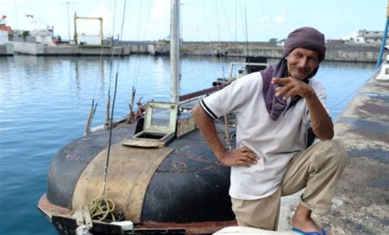 Польский моряк семь месяцев дрейфовал с котом в Индийском океане