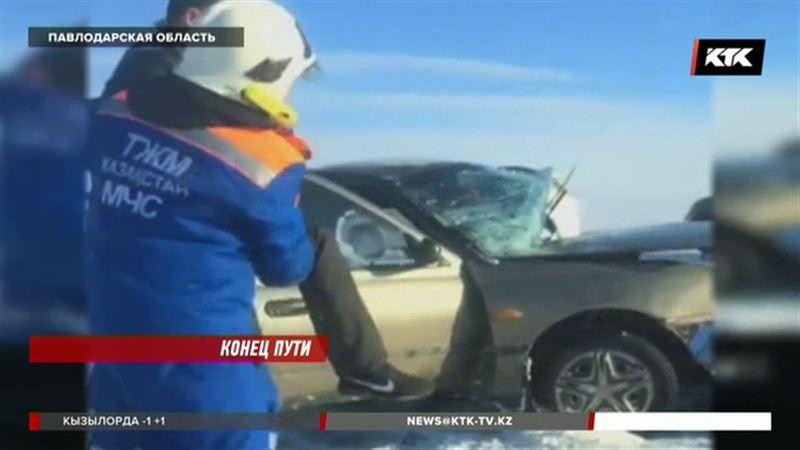 Лобовое столкновение на трассе Павлодар - Кызылорда