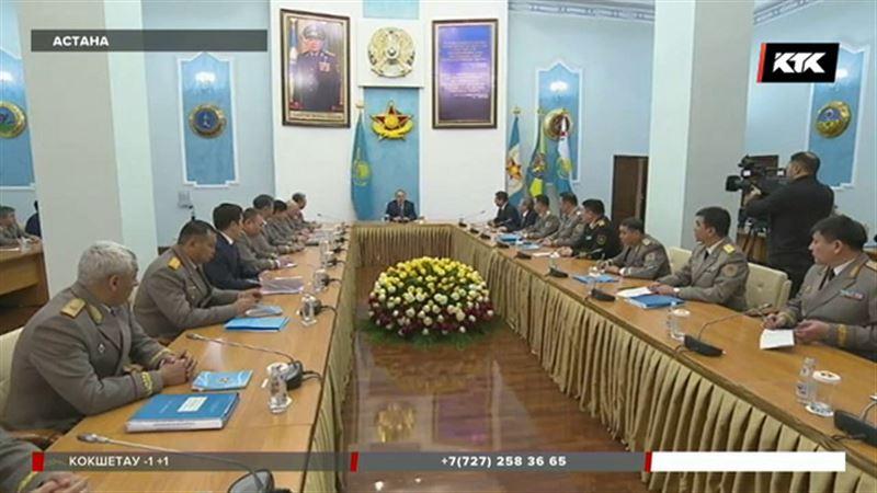 Назарбаев ознакомился с работой засекреченного войскового подразделения