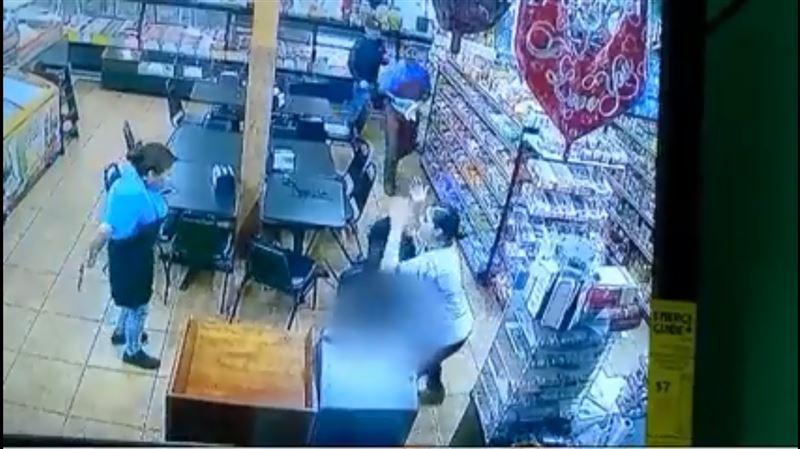 ВИДЕО: Женщина родила ребенка прямо в продуктовом магазине