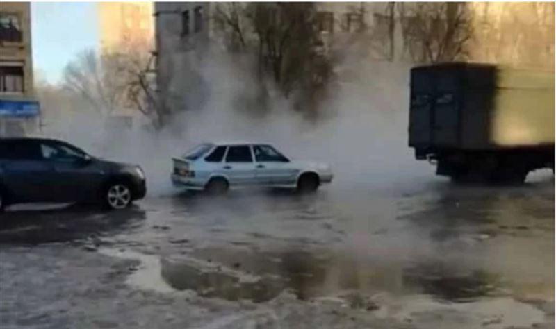 Улицы Караганды затопило кипятком