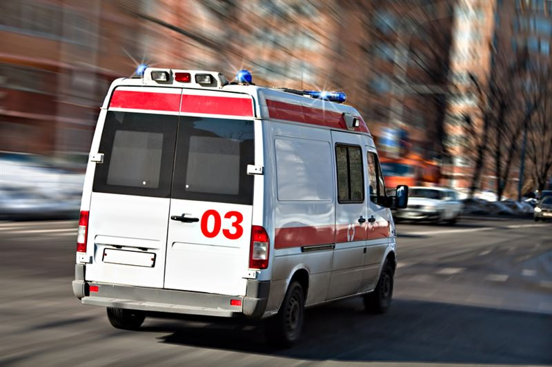 Спасатели помогли медикам эвакуировать 300-килограммового пациента