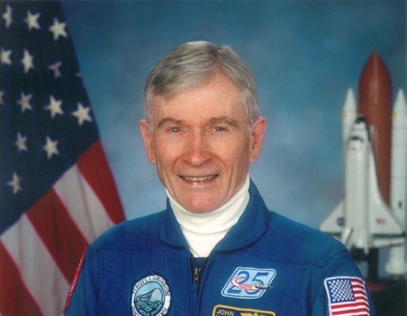 Скончался побывавший на Луне астронавт NASA Джон Янг