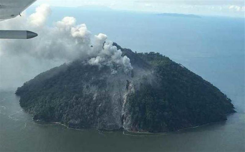 Из-за извержения вулкана в Папуа-Новой Гвинее эвакуирован целый остров