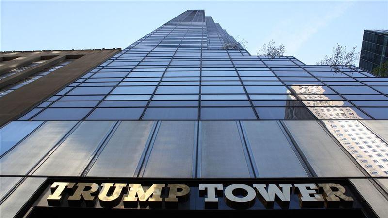 ВИДЕО: В Нью-Йорке здание Trump Tower охватило огнем