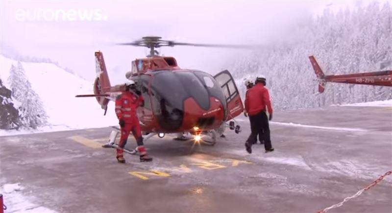 13 000 туристов эвакуировали с горнолыжного курорта в Швейцарии из-за угрозы схода лавин