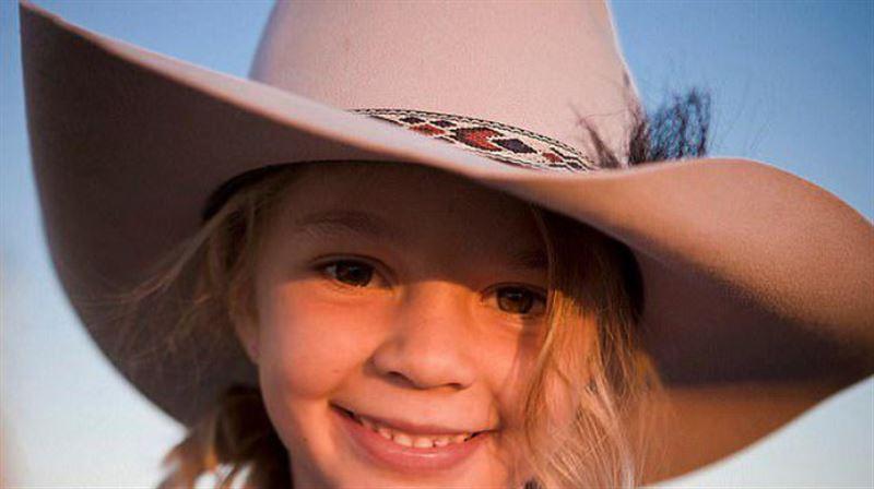 14-летняя австралийская модель совершила самоубийство из-за интернет-троллей