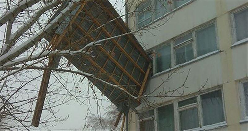 Астанчане публикуют фото и видео последствий бурана