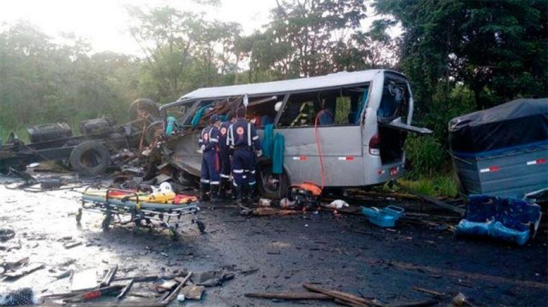 Крупное ДТП в Бразилии: 13 погибших, десятки раненых