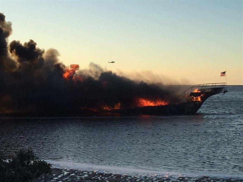 В США 15 человек пострадали при пожаре в плавучем казино