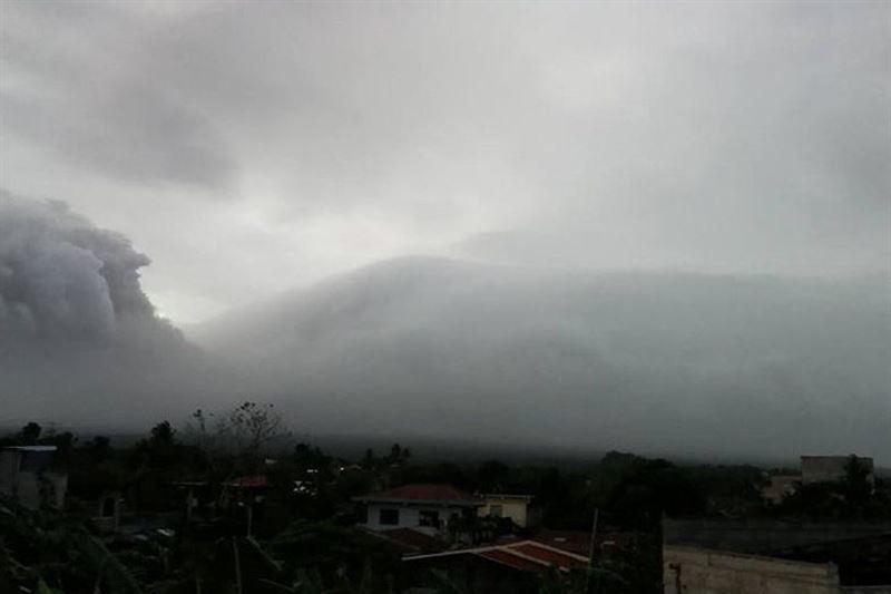 Тысячи жителей Филиппин эвакуированы из-за угрозы извержения вулкана