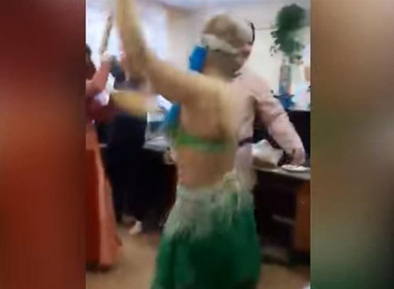 Врач, исполнившая танец живота на корпоративе, уволилась по собственному желанию