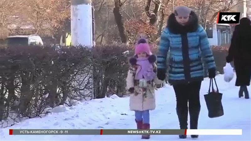 В Астане, Караганде и Семее младшие классы в школу не пошли