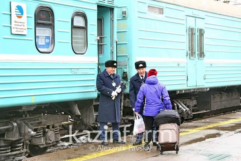 Павлодар-Астана пойызының жолсерігі мен басшысы тоналып қалды