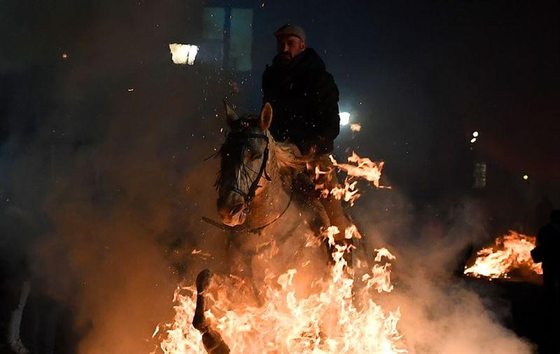 В Испании прошел зрелищный фестиваль огня «Люминариас»