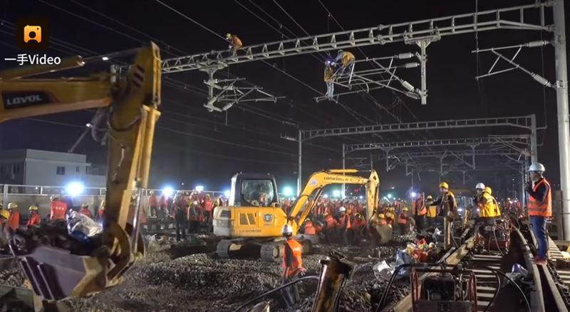 За 9 часов китайские рабочие построили новую железнодорожную развязку